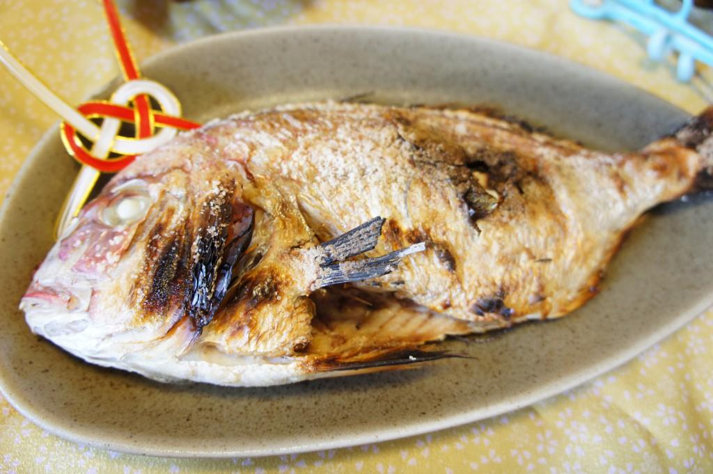 尾頭付き鯛の塩焼き